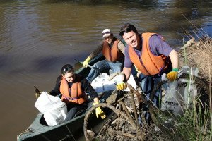 Josh Frydenberg MP participating in Clean Up Australia day